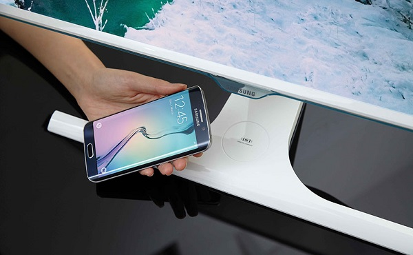 Samsung unveils world's first wireless mobile charging monitor