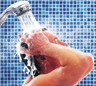 Manfaat Mandi Dengan Air Hangat
