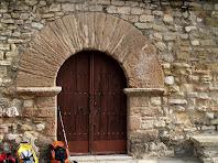 Portal d'entrada de l'església de Santa Maria de la Tossa