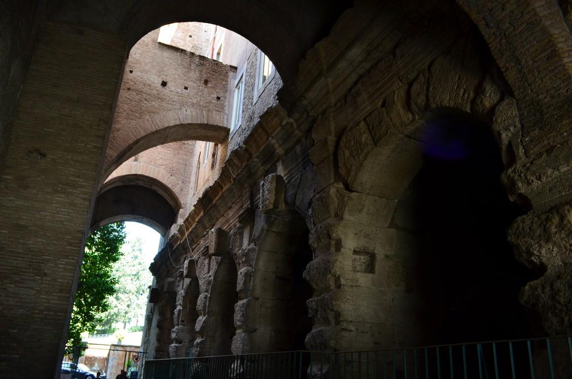 I viaggi di raffaella roma il tempio del divo claudio - Il divo claudio ...