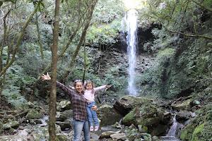 Cascata com queda d'água de 17 metros, em Ernesto Alves