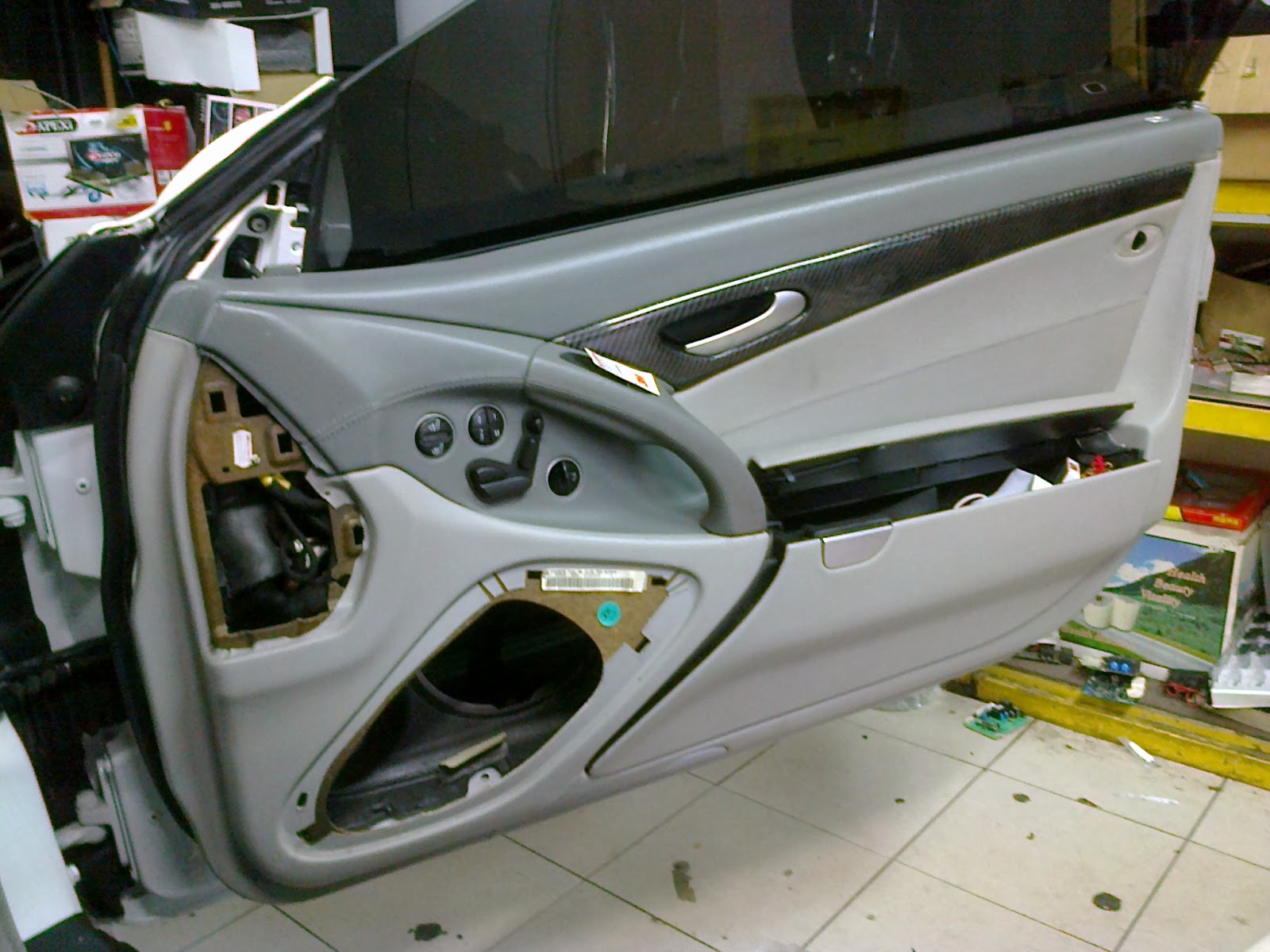 Eb audio mercedes benz sl class dvd gps and car audio upgrade for Mercedes benz audio upgrades
