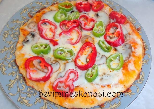 Tavada kolay pizza tarifi cabuk pizza nasil yapilir kolay
