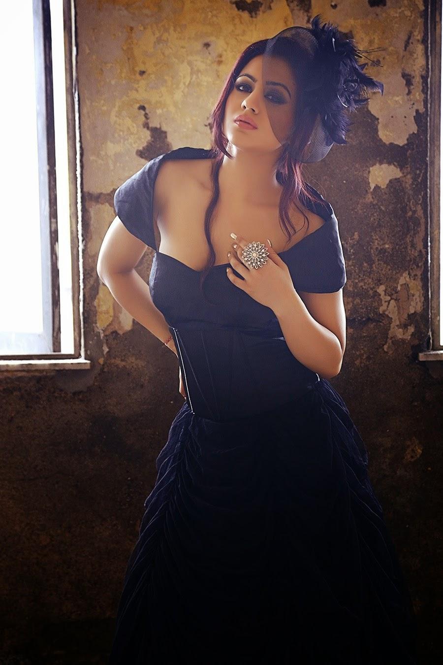 Actress Aksha glamorous photos-HQ-Photo-7