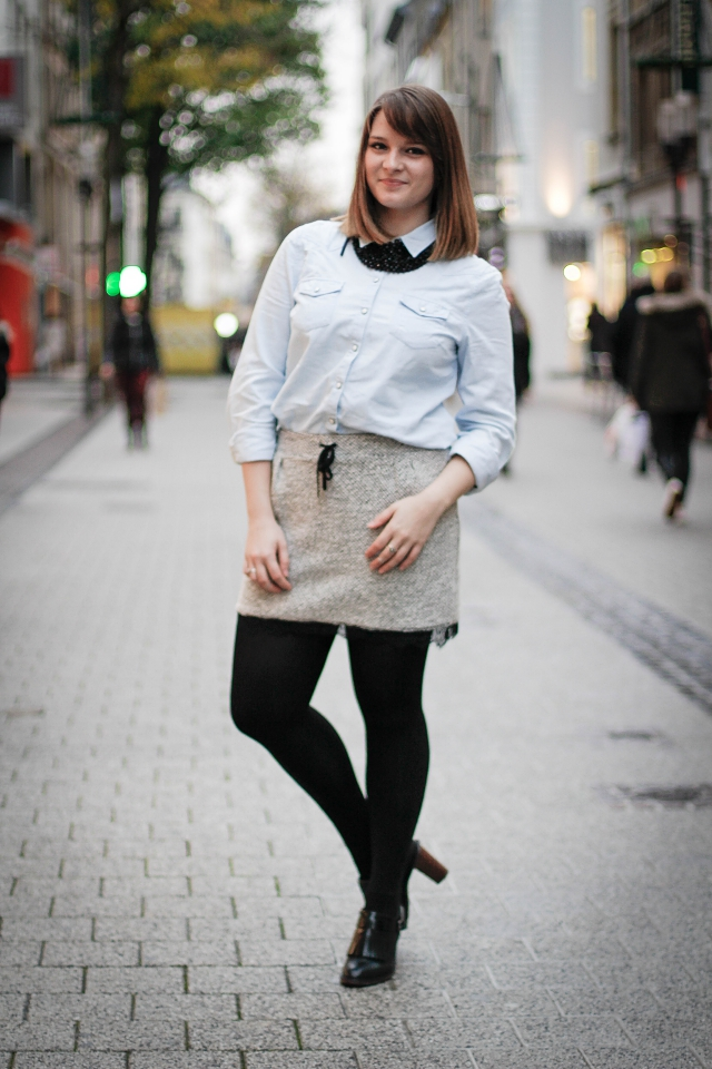 ootd fashion blogger luxembourg denim shirt statement necklace