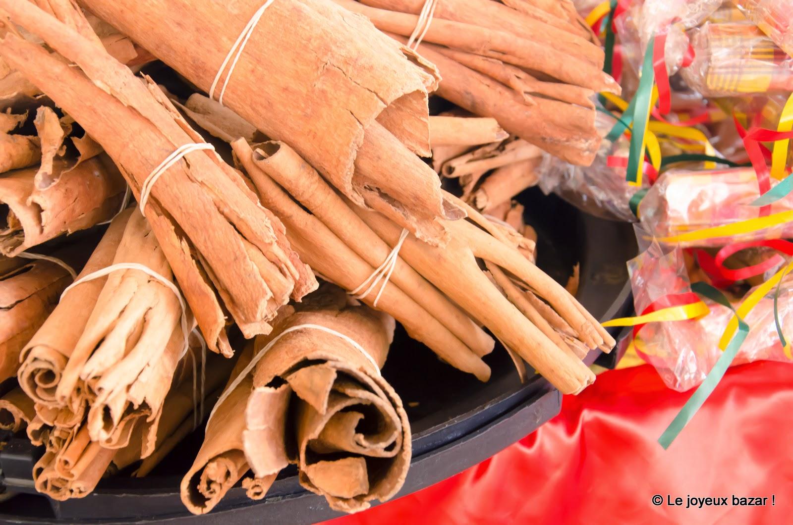 Guadeloupe - Pointe à Pitre - marché  aux épices