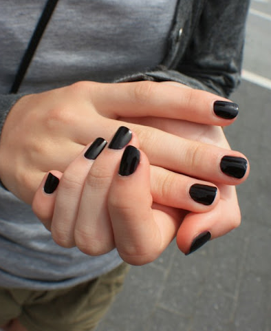 black nails girl