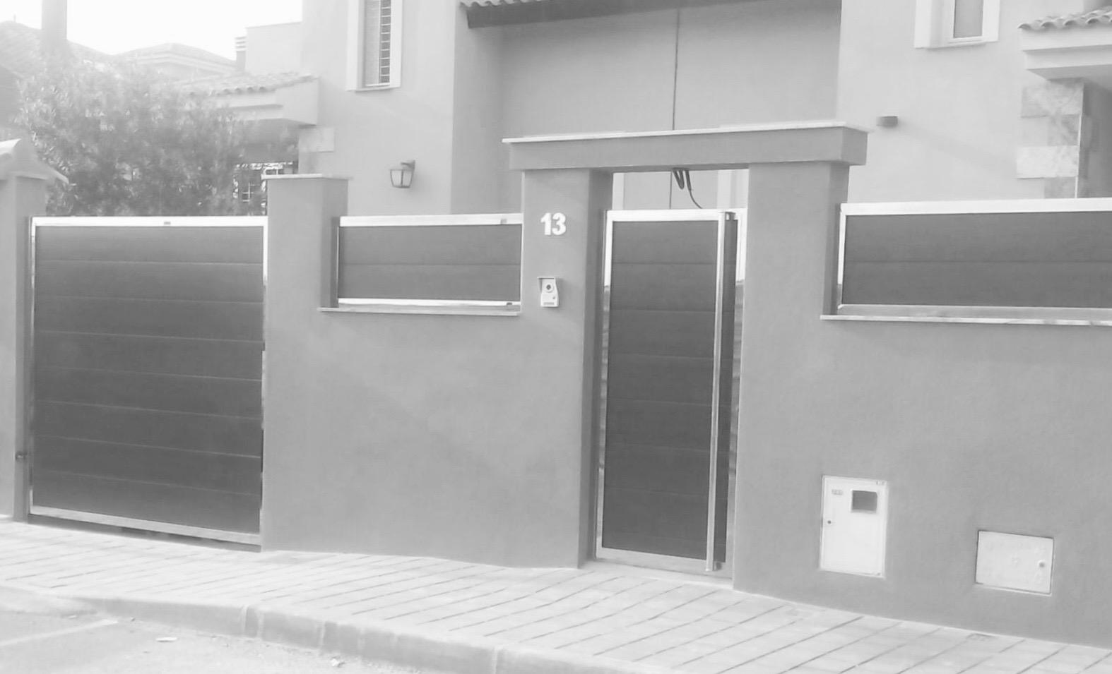 Automatismos prb pesa puerta batiente puerta peatonal y - Puertas de madera para jardin ...