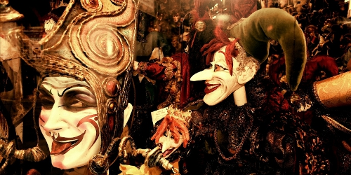 Venetian_Puppets - Foto de Minerva Bloom