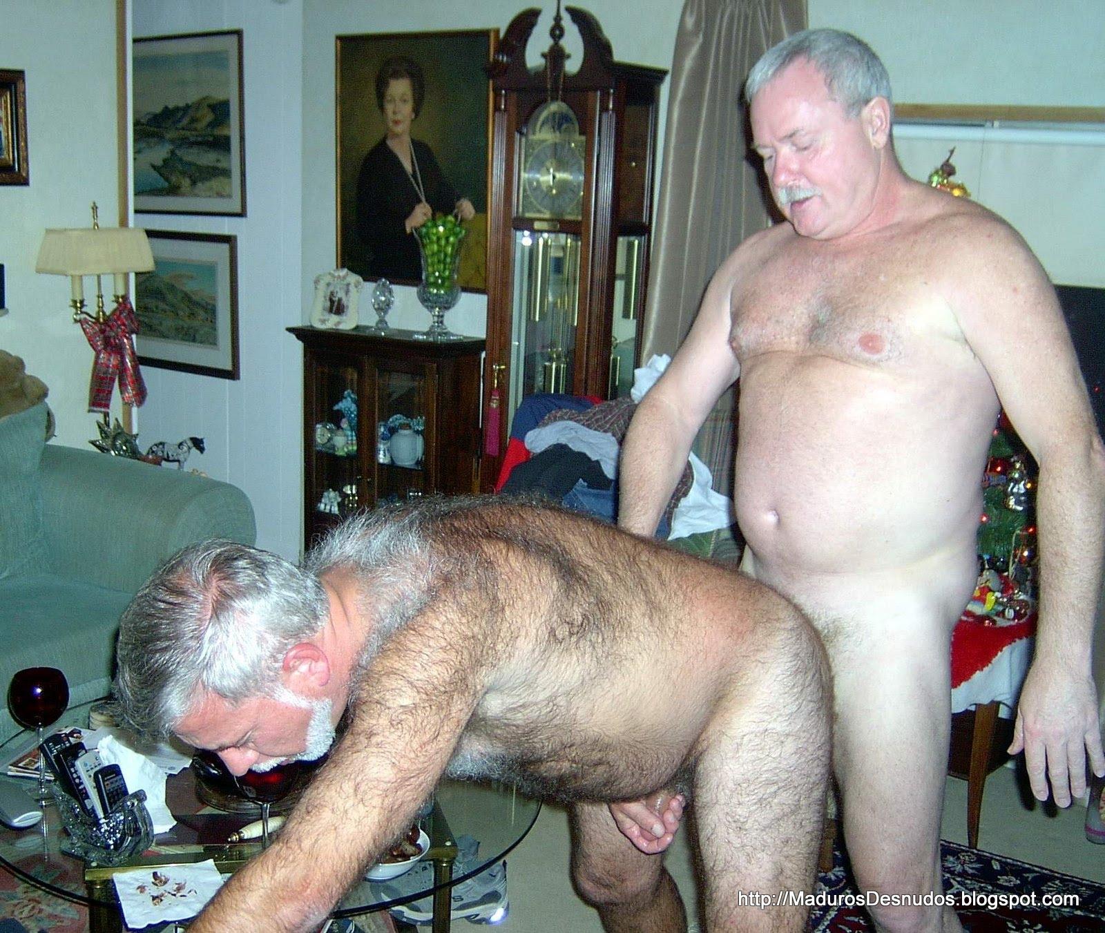 Viejos Con Bigote Gays Chupando Pollas - Porno