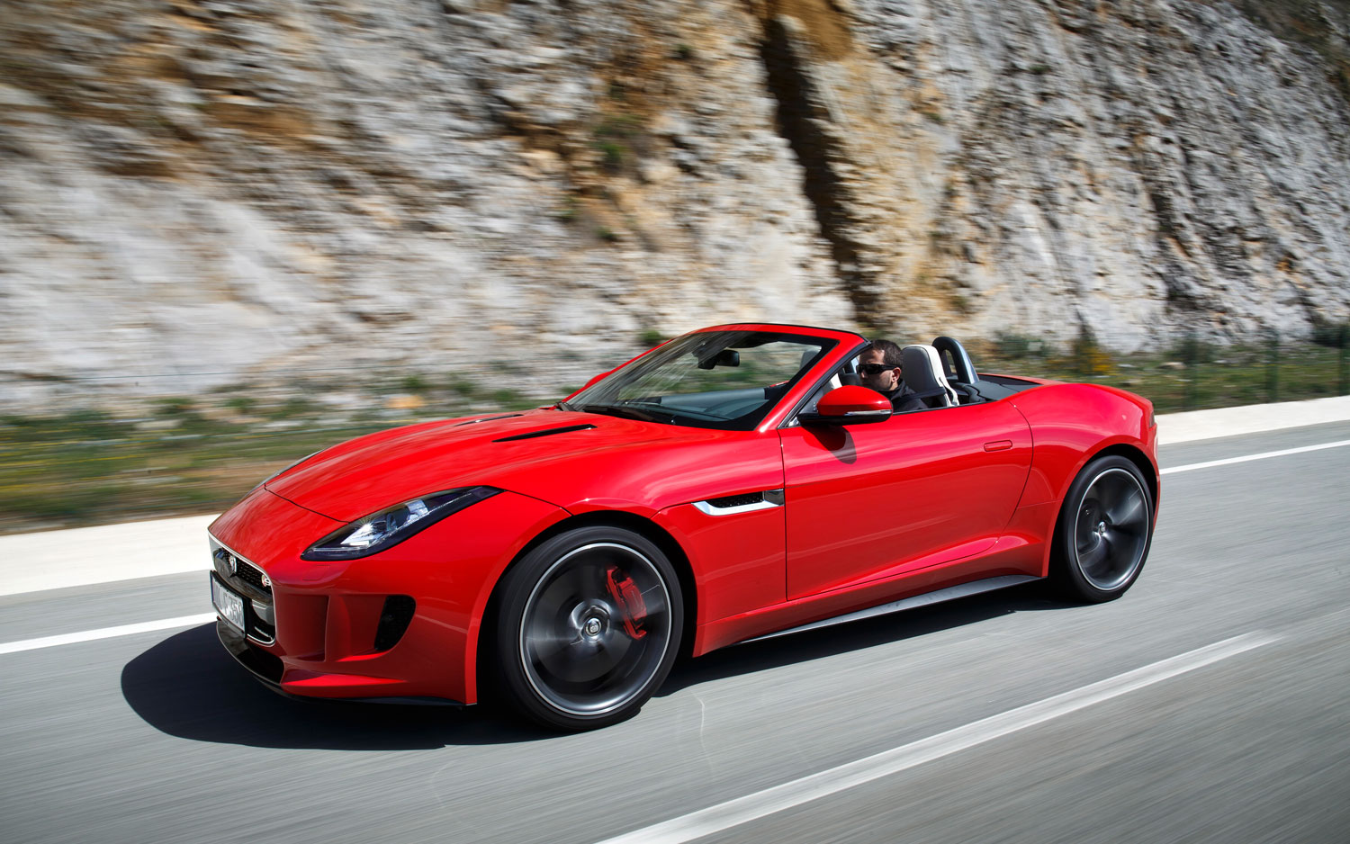 2013 jaguar f type v8 s pictures specifications interiors and exteriors infinity cars 2 u. Black Bedroom Furniture Sets. Home Design Ideas