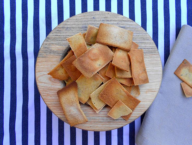 Buckwheat corn crackers