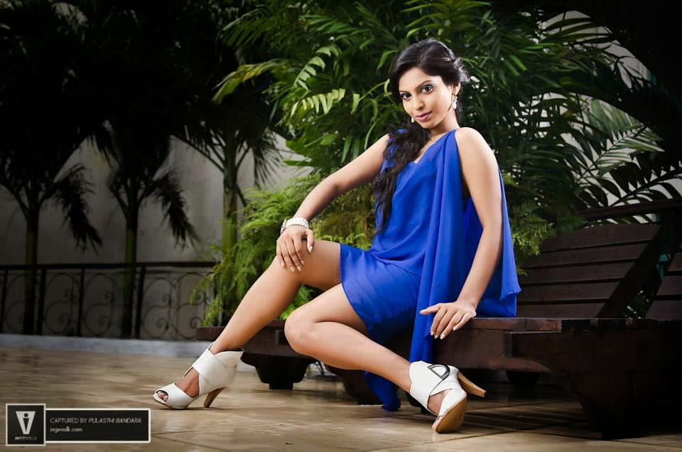 Shehani Wijethunge hot sexy wide legs