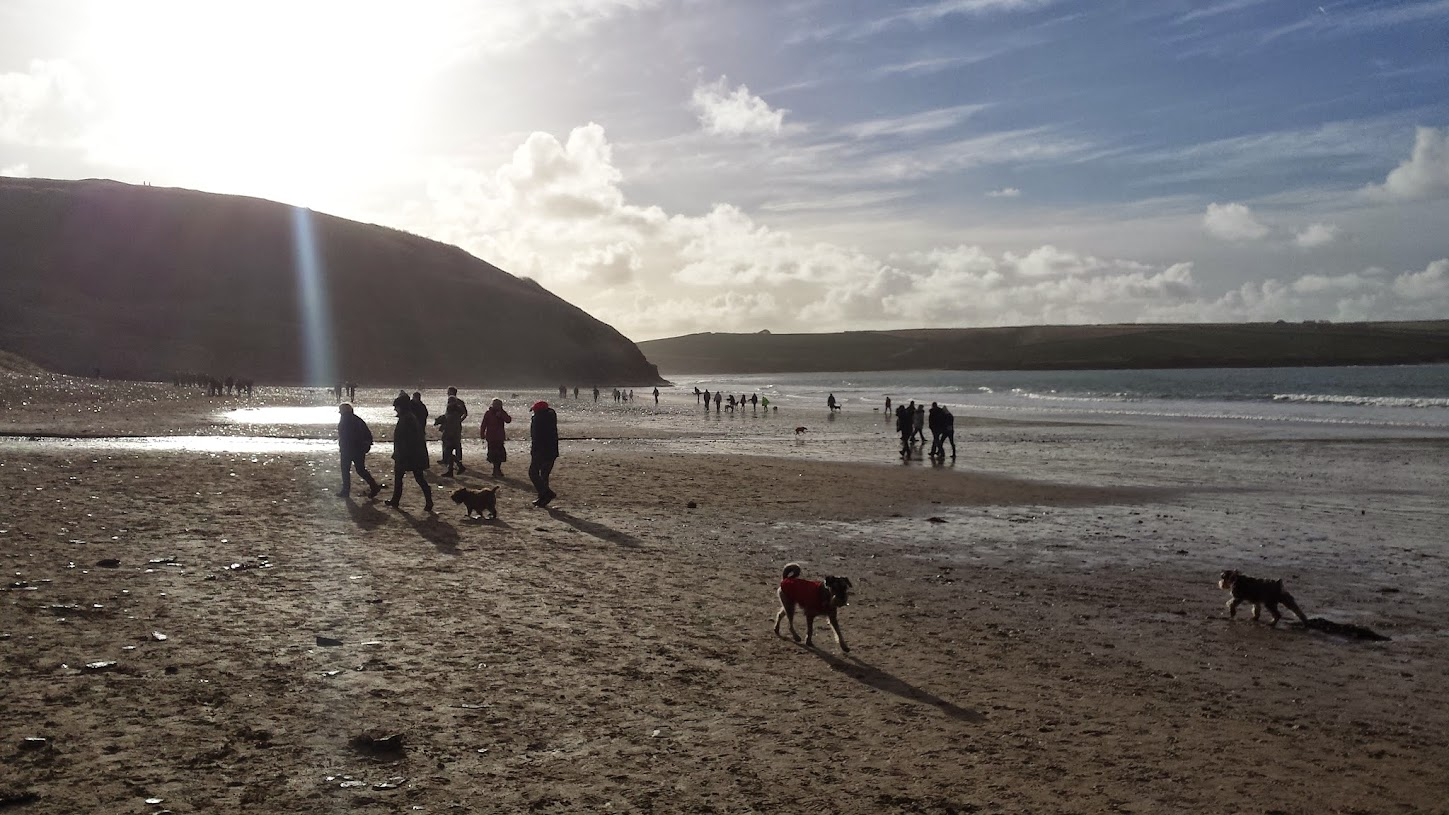 Crowds on Daymer Bay