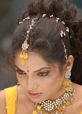 diya in yellow churidar photo gallery