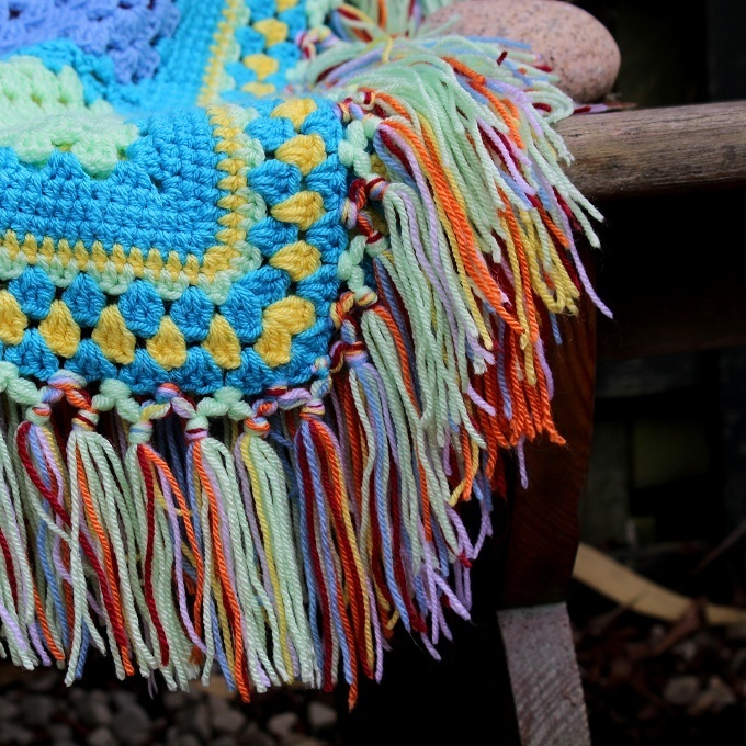 how to make a knotted tassel border for a crochet blanket lazy