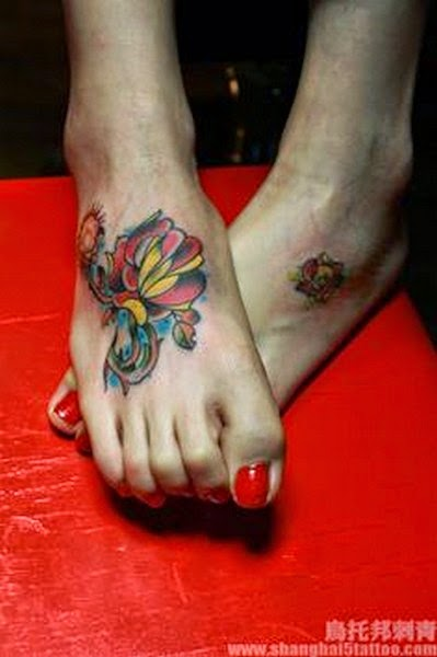 Beutiful Flower Tattoo on Feet for Girl