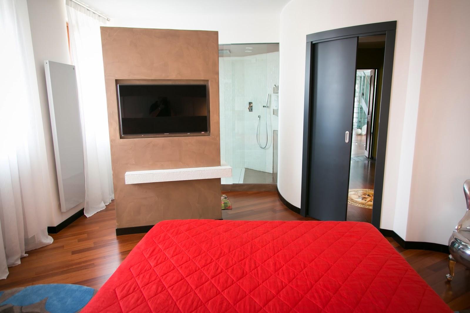 Muri divisori interni - Camera nascosta in bagno ...