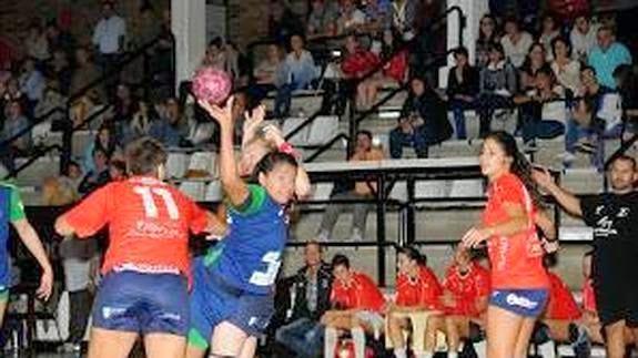 Alicia Torres (CHI) sigue en España | Mundo Handball