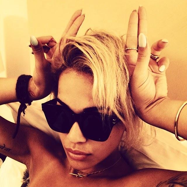 Rita Ora coneja de pascua