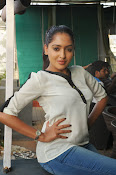 Anajana Deshpande glamorous photos-thumbnail-9