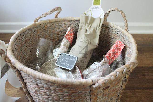 Picnic basket set wedding gift : Wedding or shower gift picnic basket julie blanner