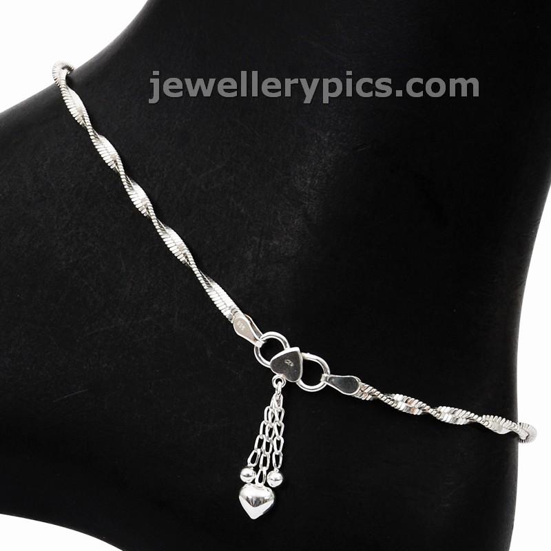 Long chain designs latest celebrity