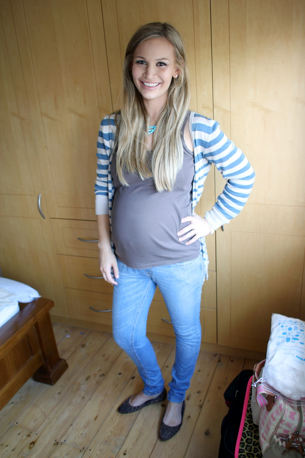 The gallery for --> Teenage Pregnancy Bumps