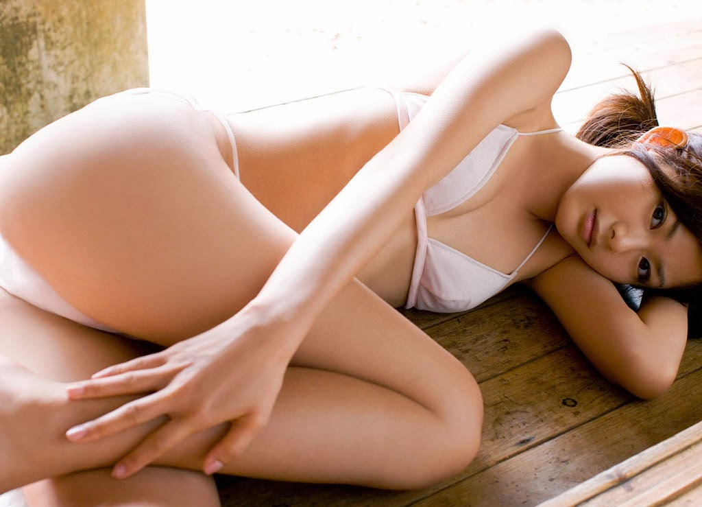 rika sato hot white bikini pics 03