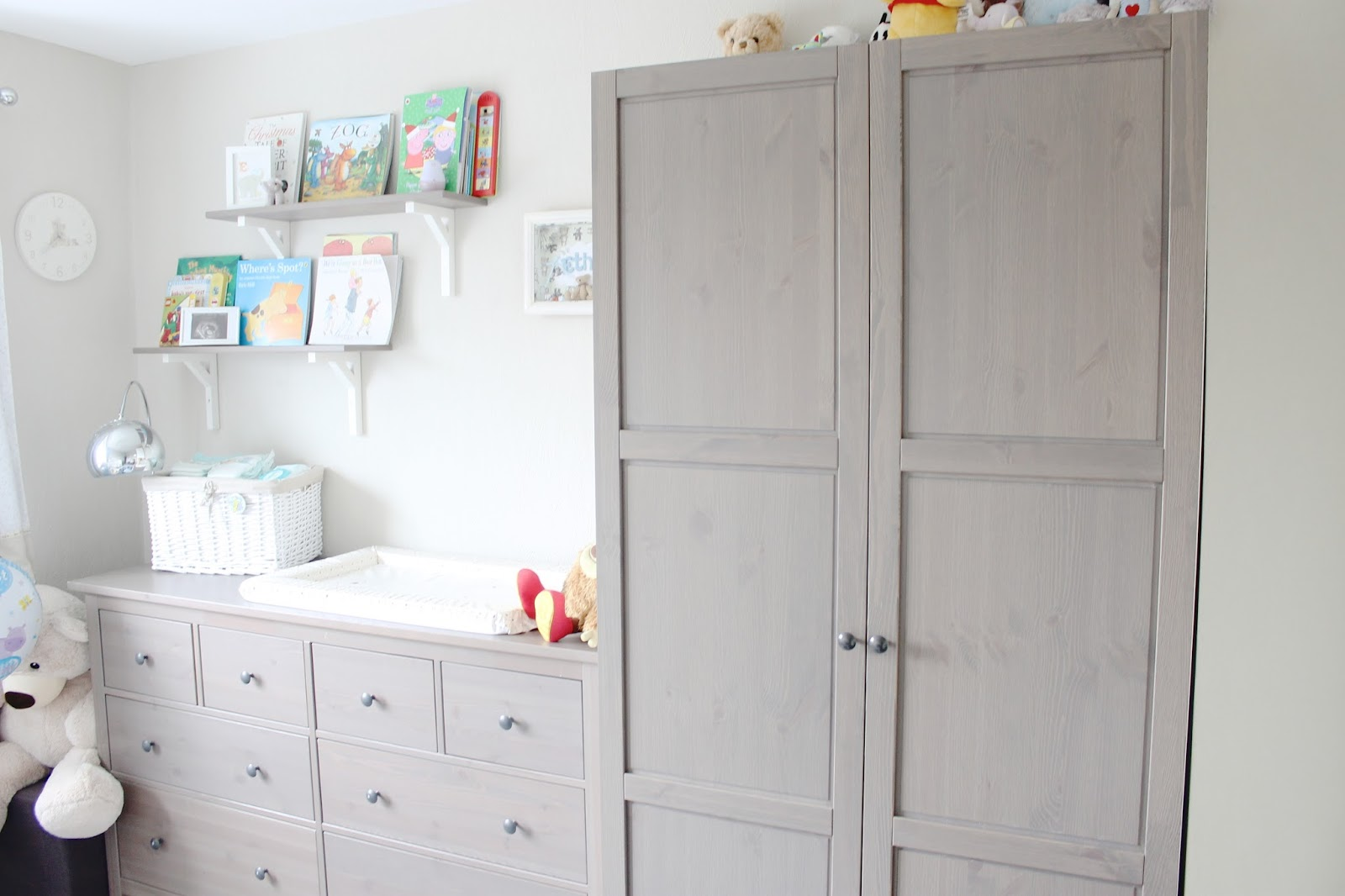 modern nursery, neutral nursery, nursery inspiration, grey-brown hemnes ikea, baby room, neutral babies room, house tour, modern decor, neutral house decor, kids wardrobe