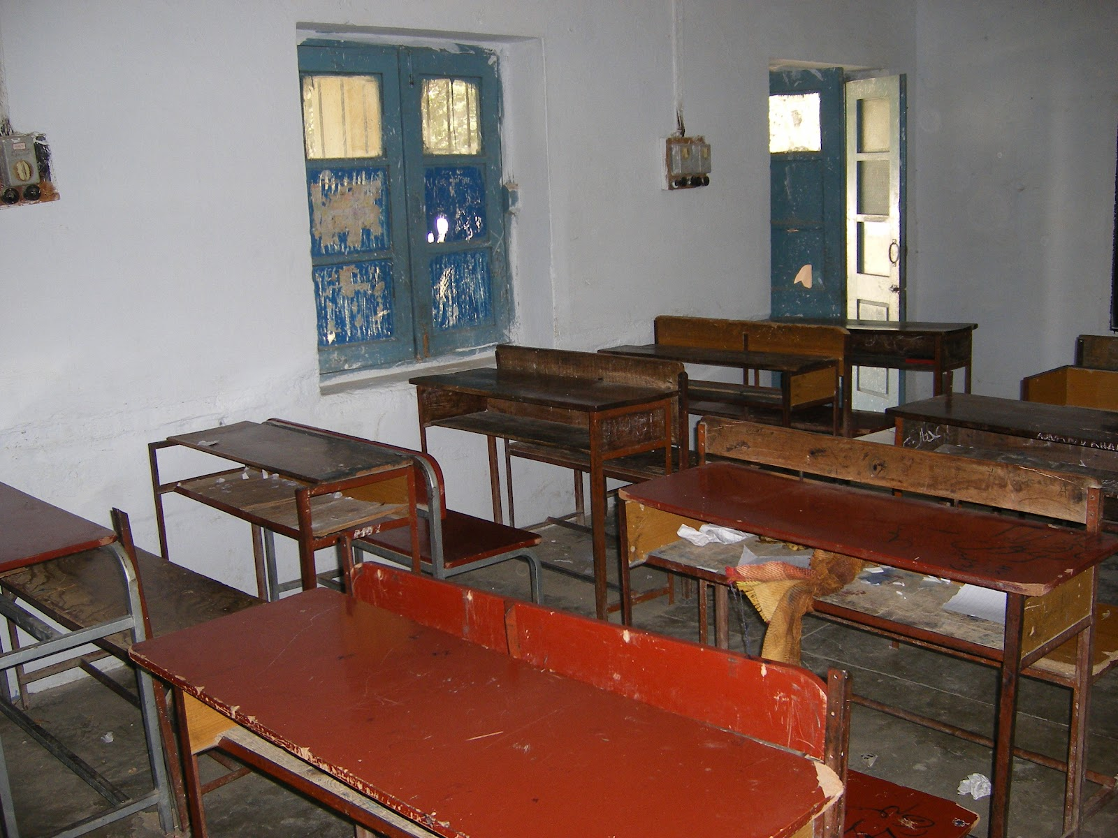 Khattak kicks off independent unit to monitor schools Stresses on identifying ghost schools, absent teachers