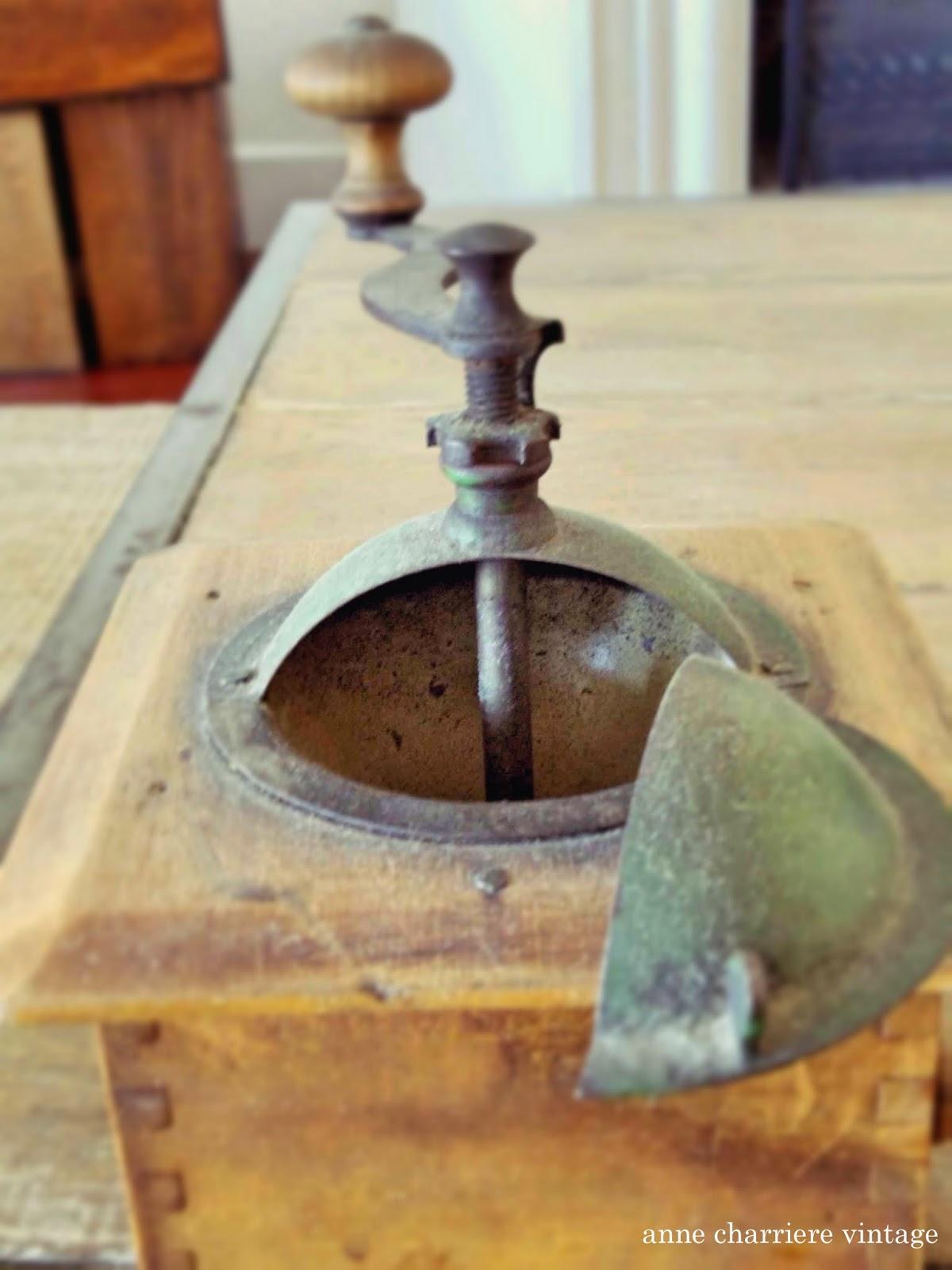 anne charriere vintage, antiques, antigüedades, antiquités,