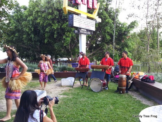 Dancers and drummers on the Bodhi Tree Terrace