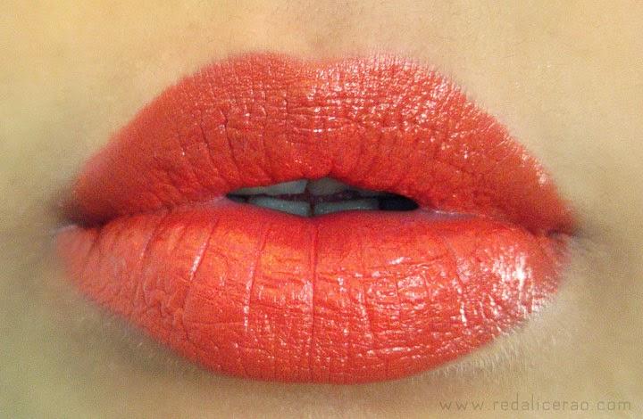 Orange Lips, Beauty Blogger, Saffron Lipstick Swatch, Summer Lipstick trend, Orange Lipstick, Medora Lipstick, Pakistani Beauty Blog, Beauty, Summer trends, Summer Makeup trends, red alice rao, redalicerao