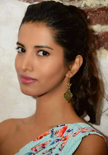 Manasvi Mamgai Stills at Nisha Sainani Mrinalini Collection Launch 8.jpg