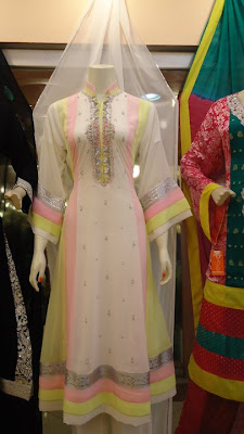 white dresses for women in pakistan