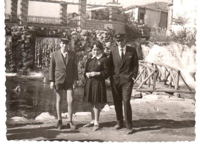 Αναμνηστική φωτογραφία στους μικρούς καταρράκτες από το 1962