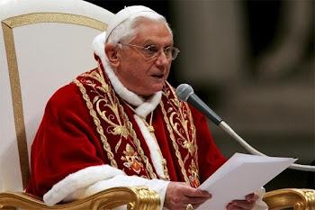 Obispo de Roma, Benedicto XVI ha rezado por la paz en Libia
