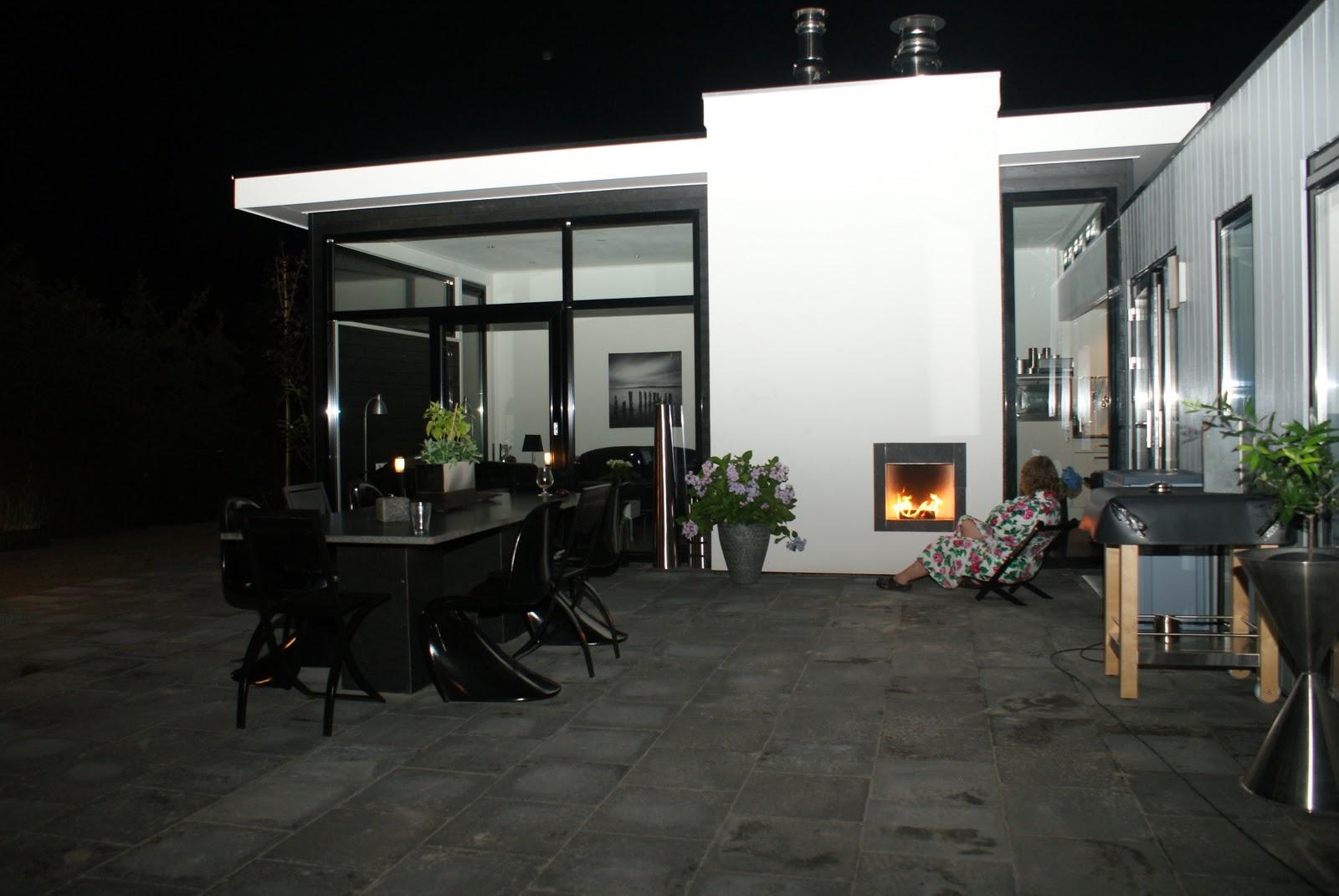 Buitenkeuken Te Koop : Het vakantiehuis heeft een buitenkeuken en een buiten open haard.
