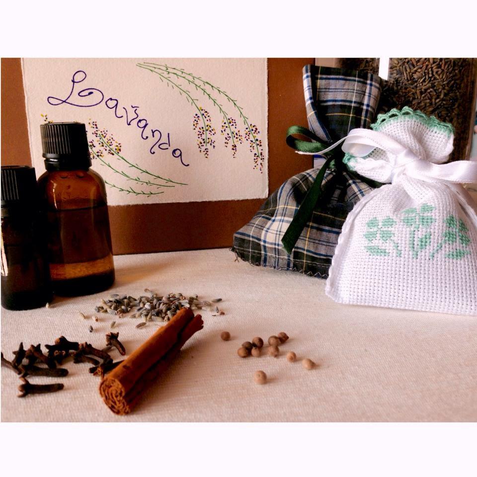 sacchetti oli essenziali, lavanda, chiodi di garofano, pepe nero, cannella
