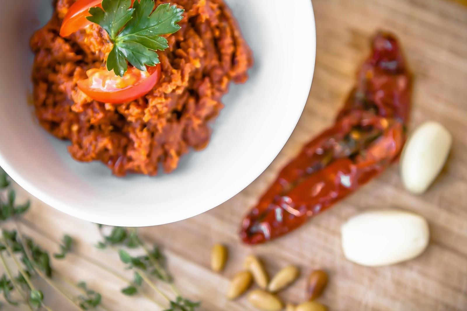 Rotes Pesto (Pesto Rosso) und die einzelnen Zutaten