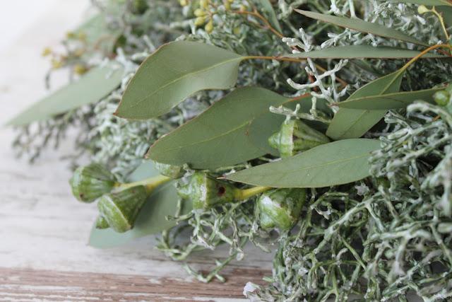 Adventskranz aus Eukalyptus