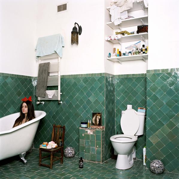 Baño azulejos verdes bañera antigua paris