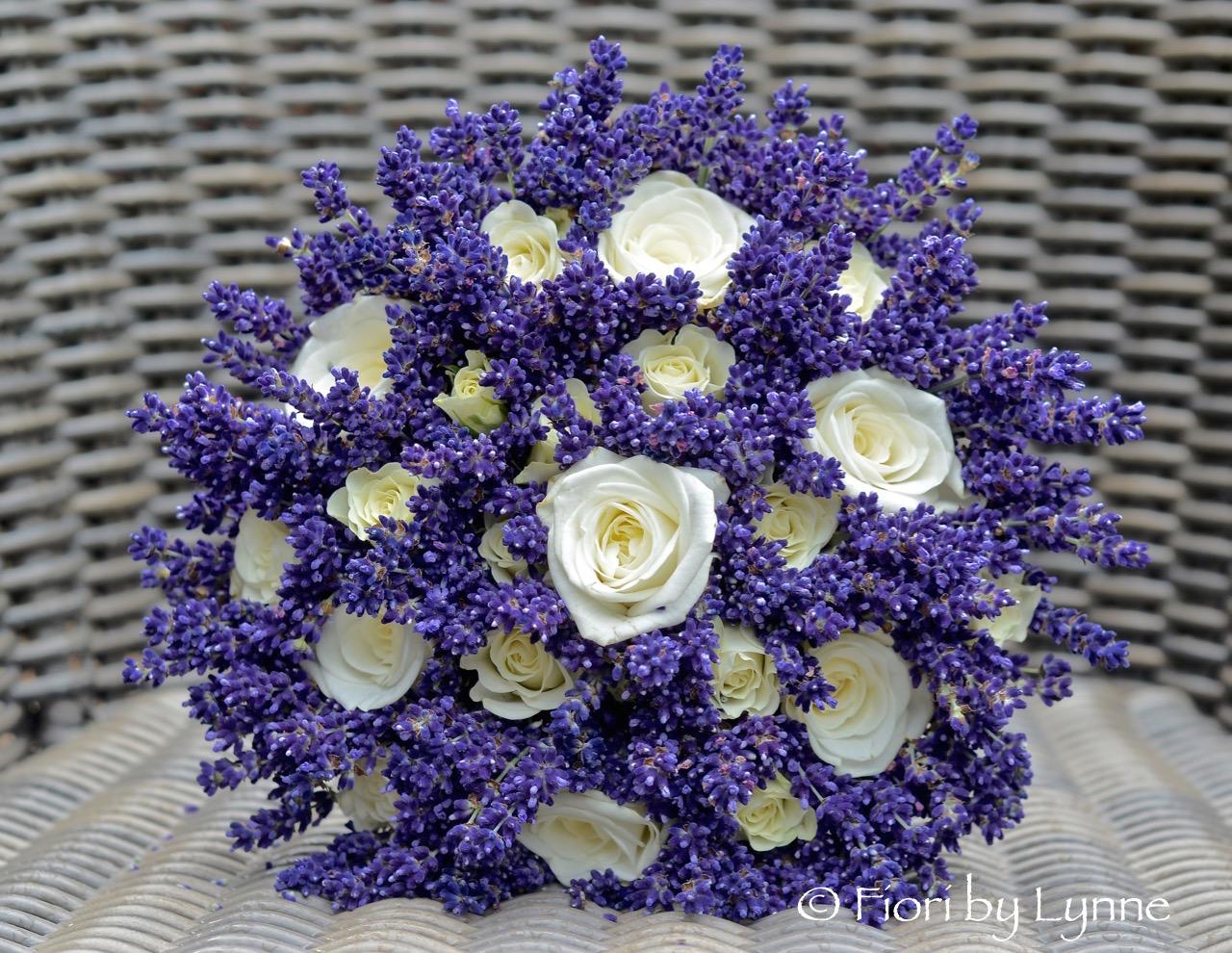 Wedding Flowers Blog: Kate\'s Secret Garden Themed Wedding Flowers ...