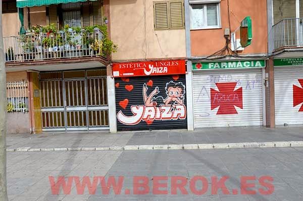 Graffiti Betty Boop para persiana de estética y uñas  en Badalona