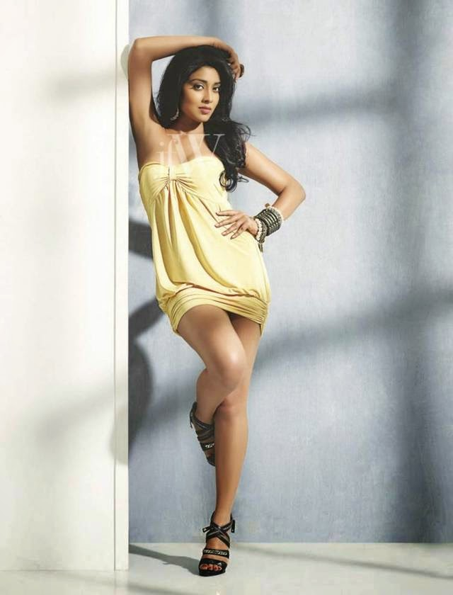 Shriya Saran Photoshoot for Jfw Magazine