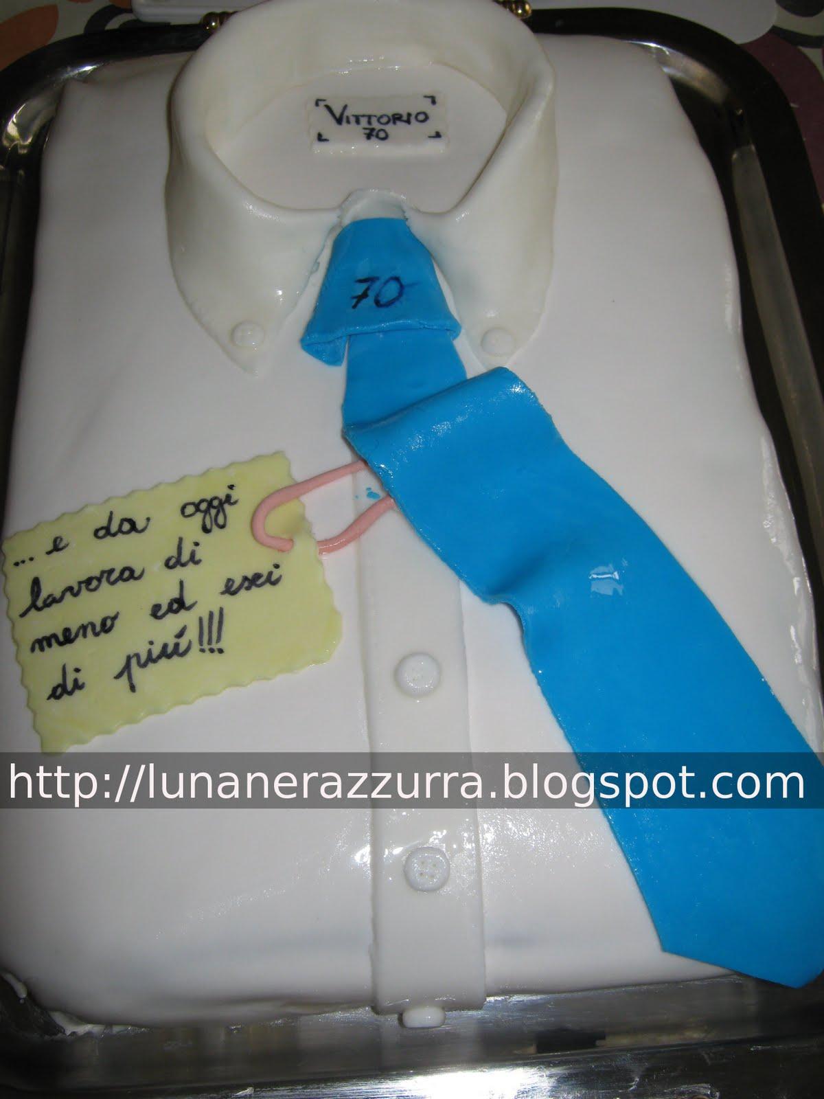 I pasticci di luna torta a camicia in pasta di zucchero for Torte di compleanno particolari per uomo
