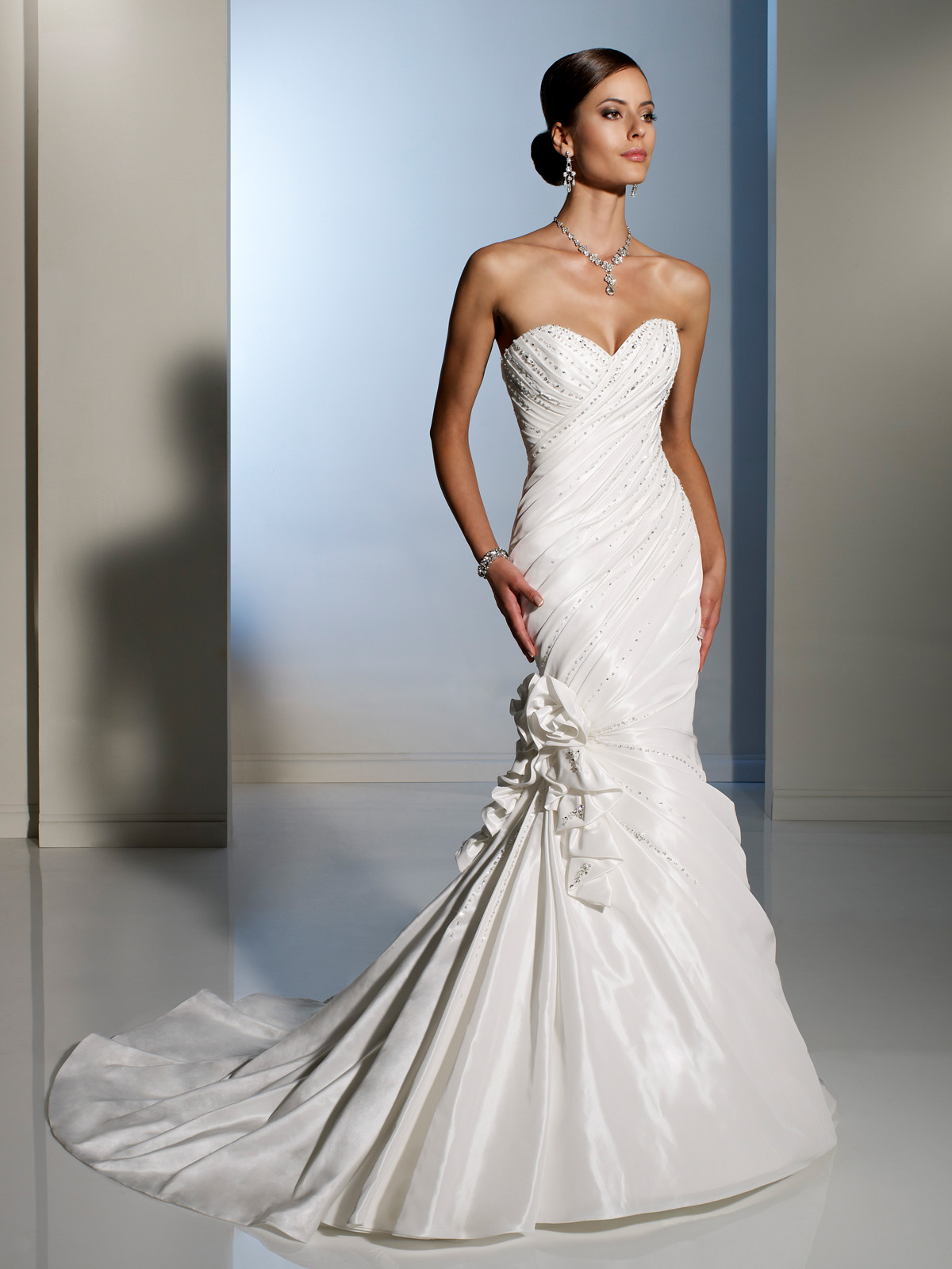 West weddings splendid sophia a designer wedding gown event for Designer wedding dresses uk