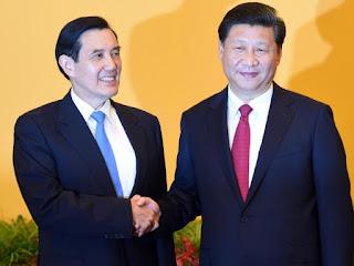 presiden china dan taiwan berjabat tangan