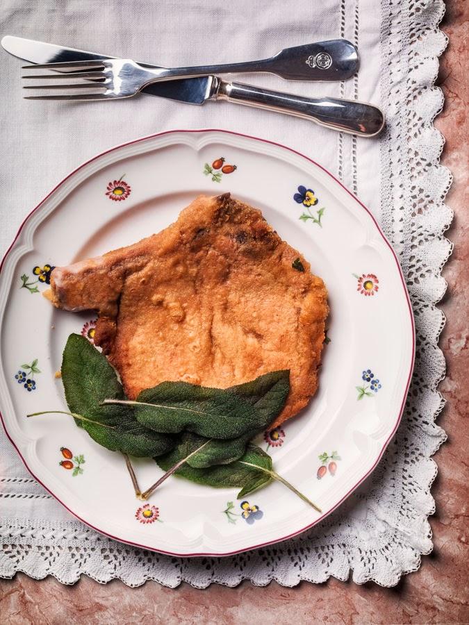 Cotoletta alla Milanese con Salvia Fritta